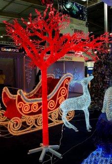 Новогодняя светодиодная декорация Scorpio Дерево 160x260 см Красная (560232) (4820005602322)