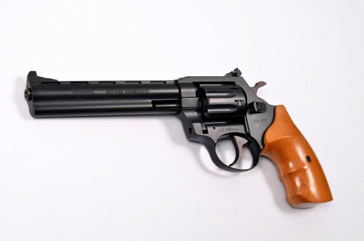 Револьвер під патрон Флобера Safari RF-461 cal. 4 мм букова рукоятка, BLACK CERAKOTE - зображення 1