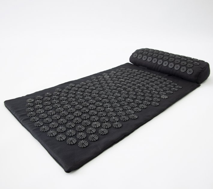 Массажный коврик и валик 2в1 (аппликатор Кузнецова) массажер для ног/спины/шеи/тела FitUp (F-00001) Черно-черный - изображение 1