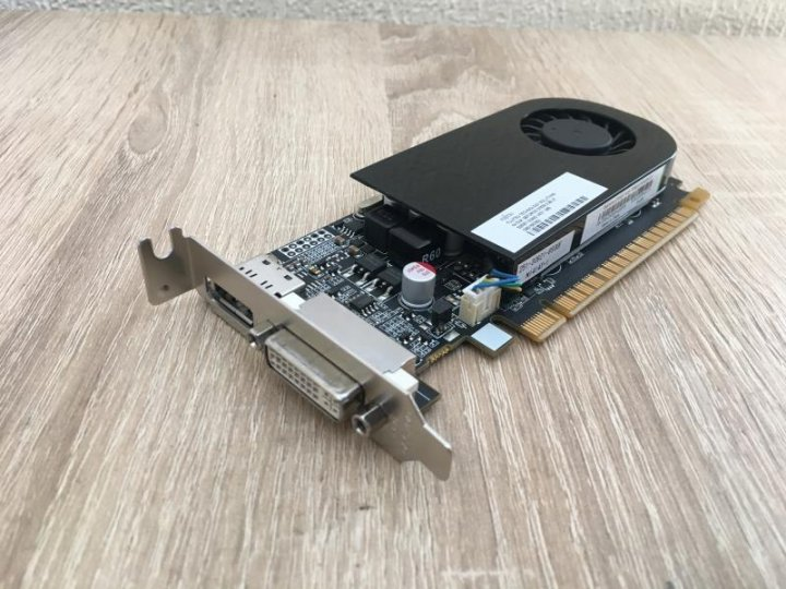Видеокарта Fujitsu GeForce GT 630, 2 ГБ, GDDR3, 128 бит, DVI, DisplayPort Б/У - изображение 1