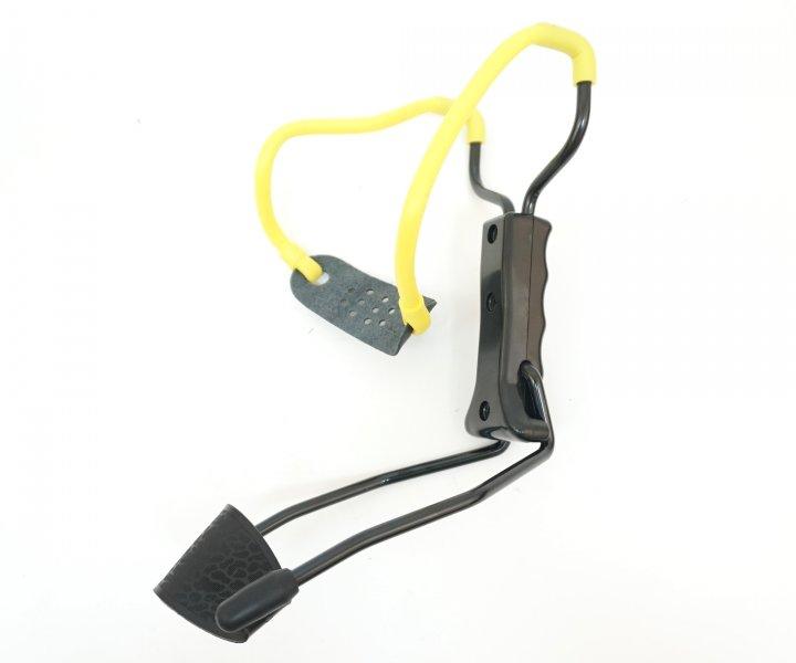 Рогатка Man Kung MK-T11 с упором ц:черный/желтый. 1000075 - изображение 1