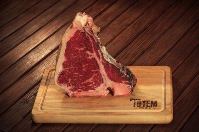 Cтейк ТОТЕМ СТЕЙК Тібоун (Steak T-Bone) сухої витримки 21+ днів L (600-900г)