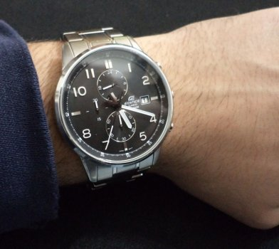 Мужские часы CASIO EFR-505D-1AVEF