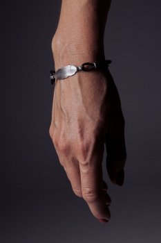 Кожаный браслет с серебром EJ Feel the same EJB006