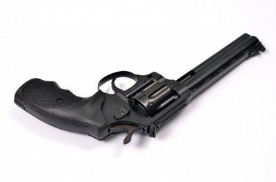 Револьвер під патрон Флобера Safari RF-461 cal. 4 мм пластикова рукоятка, BLACK CERAKOTE