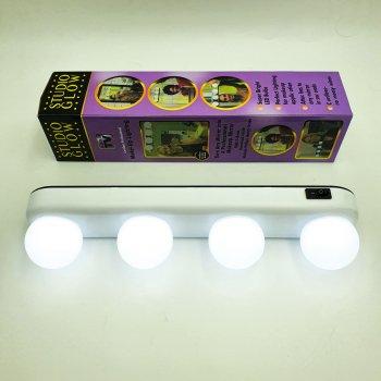 Лампа світлодіодна 4 LED підсвічування дзеркала для нанесення макіяжу на присосках 4xAA STUDIO GLOW білий