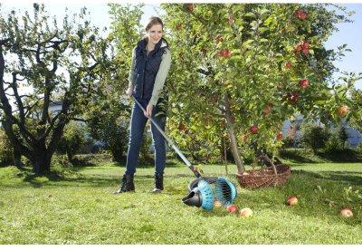 Плодозбірник універсальний Gardena Combisystem Rollsammler для збирання із землі з дерев'яною ручкою 130 см (03108-30.000.00)