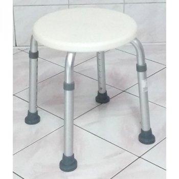 Табурет медицинский для ванны и душа Antar AT51117 с регулировкой высоты 37,5 - 55,5 см Белый