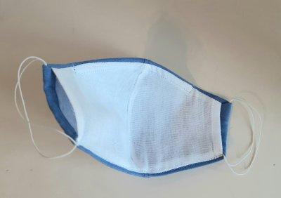 Маска многоразовая из льна с фиксатором и кармашком для фильтра голубая M - женская