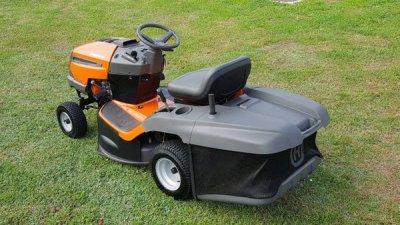 Трактор-газонокосилка садовый Husqvarna TС 130