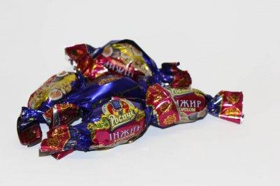 Натуральные органические шоколадные конфеты Росичи Инжир с орехом (Інжир з горіхом), 1 кг
