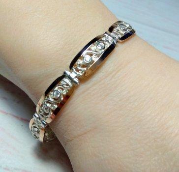 """Красивый женский браслет из серебра 925 пробы с золотыми пластинами 375 пробы и белыми фианитами """"Камила"""""""