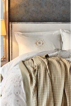 Комплект постельного белья Karaca Home Quatre delux Gold 200х220 + Плед 200х240 (svt-2000022239004)
