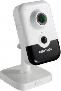 IP-камера Hikvision с PIR датчиком DS-2CD2421G0-I (2.8 мм)