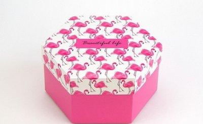 Подарункова коробка Шестигранна Життя прекрасне Arivans 20х17х10 см рожева 54-450