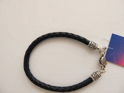 Кожаный шнурок на руку SilverArtisan 0.0050-6 размер 20