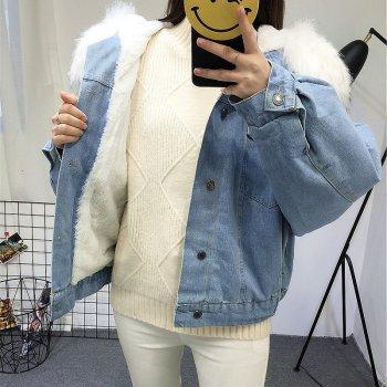 Жіноча джинсова коротка утеплена куртка Simplee з білим хутром