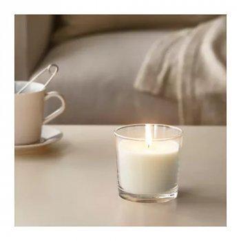 Ароматична свічка в склянці IKEA SINNLIG 9 см ніжна ваніль бежевий (103.374.07)