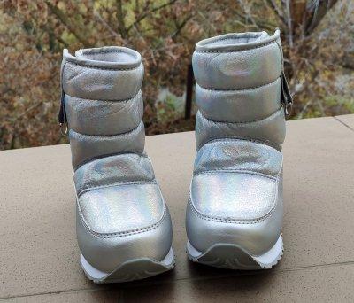 Дутики для дівчинки Jong Golf B40063-29 білого кольору