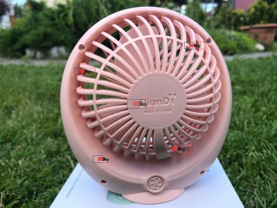 Портативний USB акумуляторний міні вентилятор з обертовою ґратами Mini Fan (SQ1978-A) Рожевий