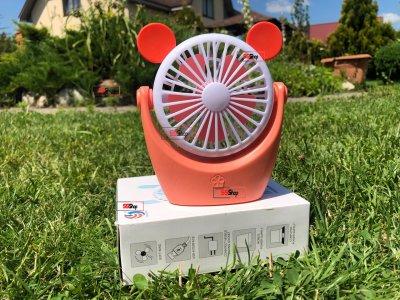 Портативный аккумуляторный мини вентилятор с ушками и RGB подсветкой Mini Fan (CS091-1) Оранжевый