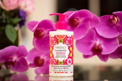 Лосьйон для тіла Yardley Flowerazzi Magnolia & Pink Orchid Smoothing Body Lotion 250 мл (5056179300668)