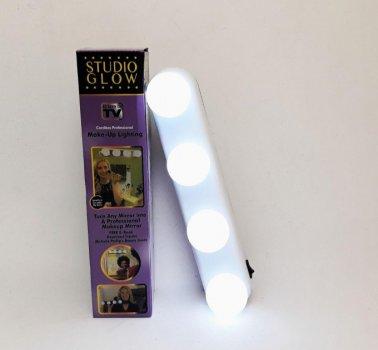 Светильники UKC на присосках 4 LED лампы работает от батареек 30см Белый (4001)