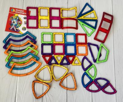 Магнитный конструктор на 42 детали игровой развивающий для детей Happy Toys (8606)