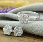 Серебряный набор кольцо размер 17 + серьги 8х8 мм вставка белые фианиты вес 4.4 г - изображение 3